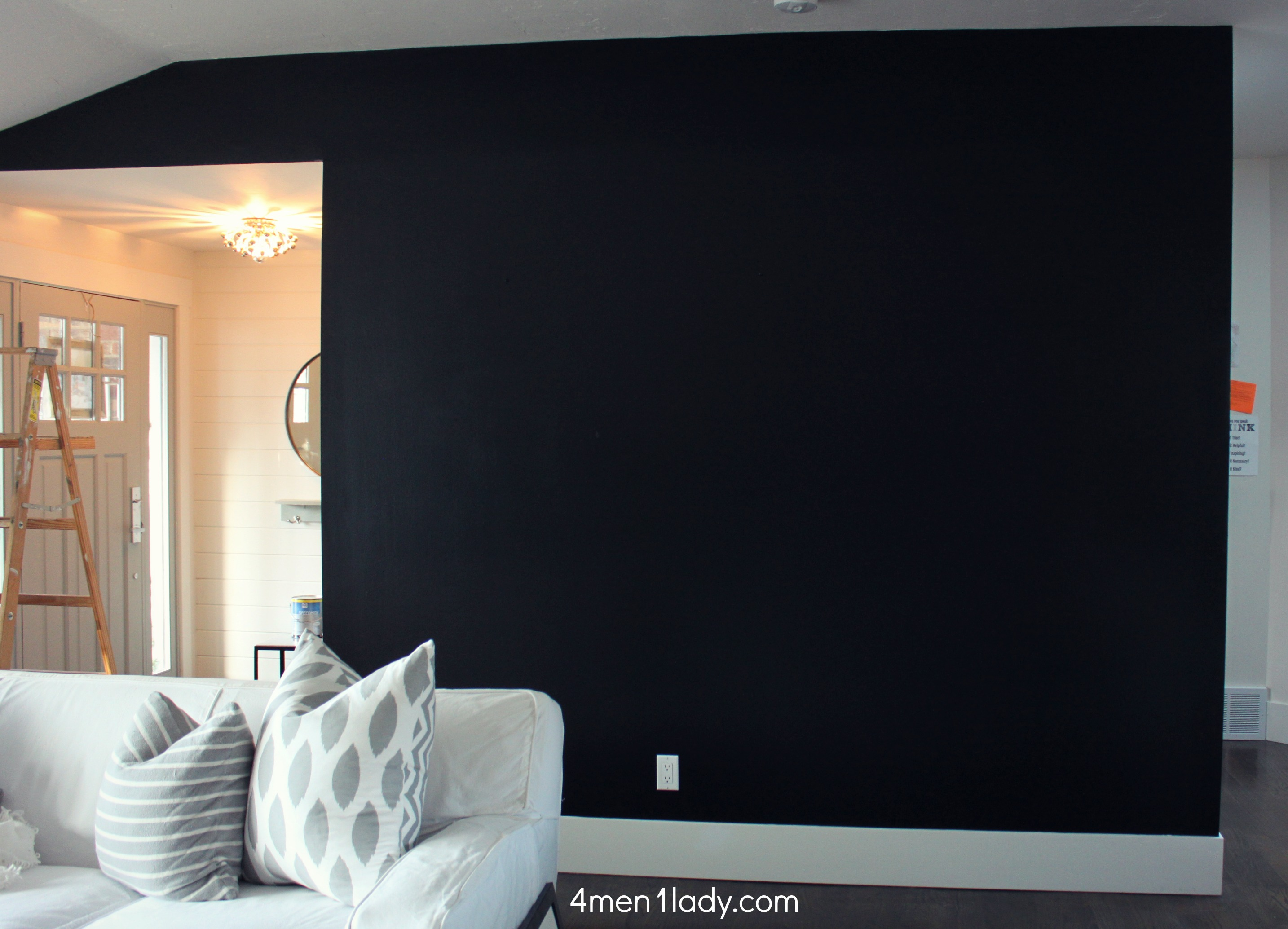 Black wall room interior design ideas Room with black walls