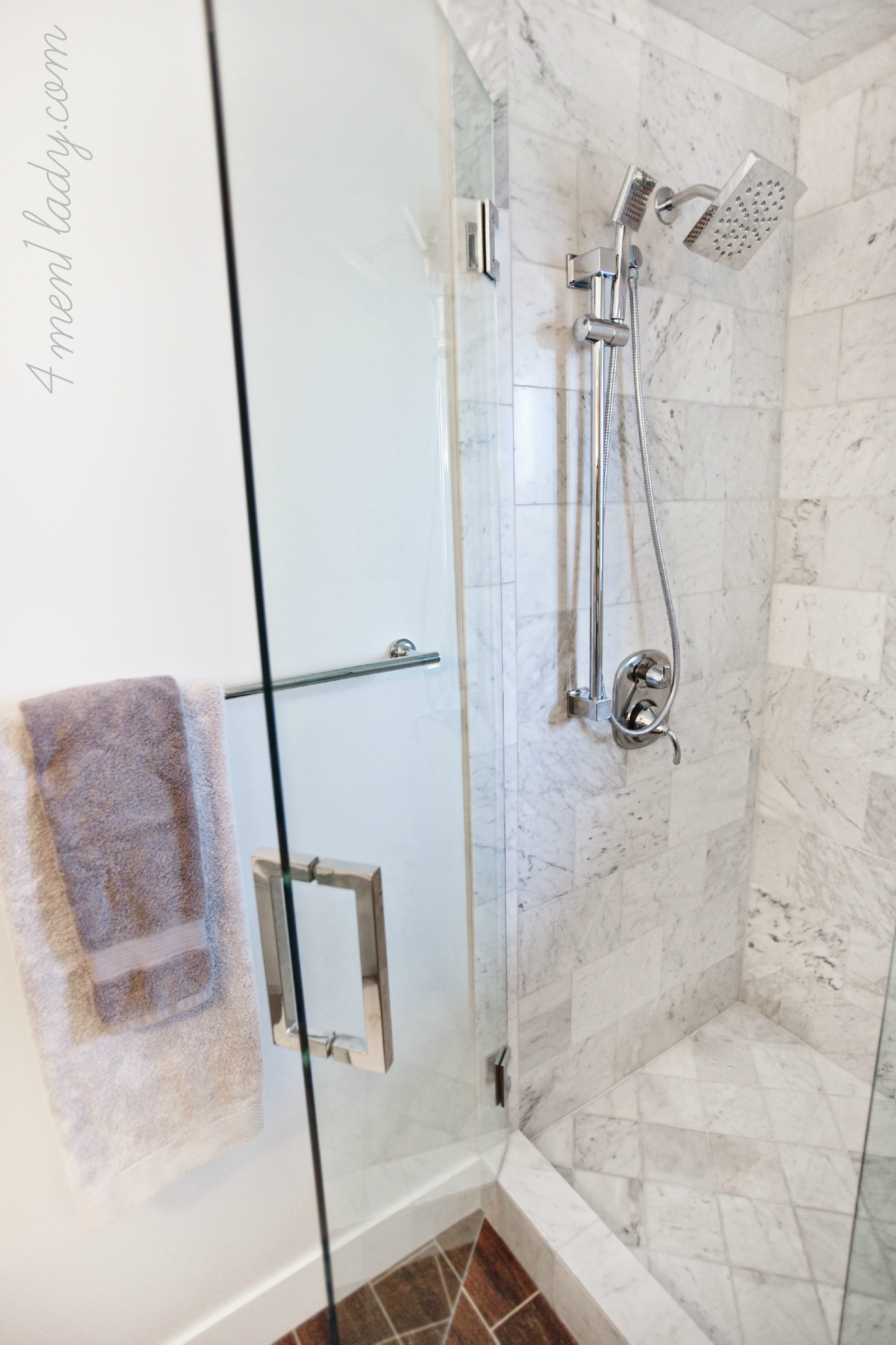 Reviewing my own house ensuite bathroom part 2 How to tile a shower