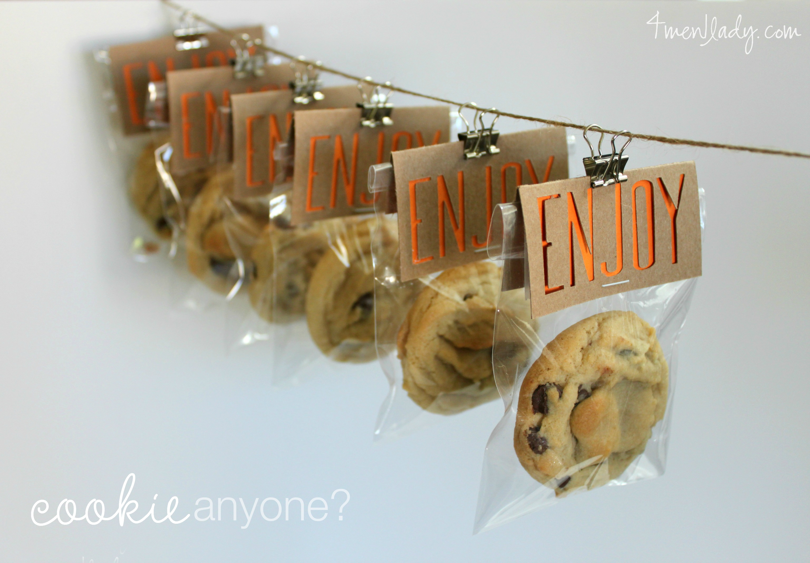 Cookie party favors made with Cricut Explore.