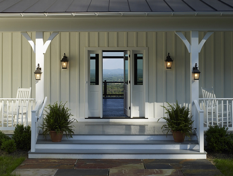 Lantern-lighting-for-the-Farmhouse-Style-Porch